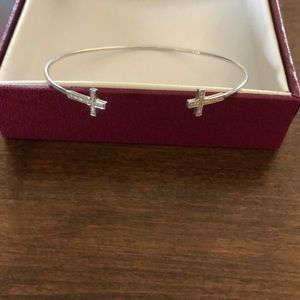 Dainty Cross Bracelet NEW IN BOX